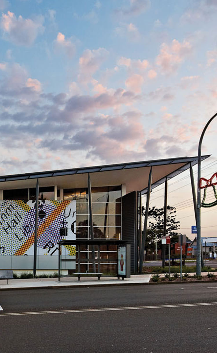 ingleburn-library-community-centre-project-image-phone